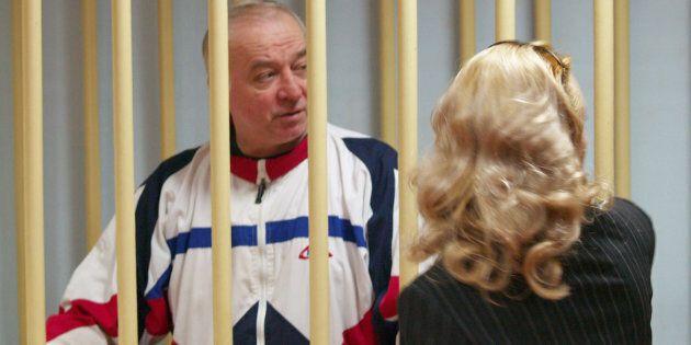 L'ex spia russa Sergei Skripal durante un'udienza alla Corte distrettuale di Mosca (6 agosto