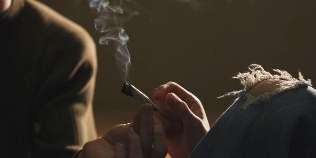 Fumo, alcol, cocaina. Viaggio nelle scuole d'Italia per parlare di