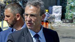 Il ministro Sergio Costa lancia il daspo ambientale: