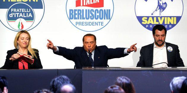 Le lunghe attese di Silvio per uscire dalla trappola dell'incarico a