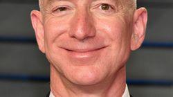 Jeff Bezos è l'uomo più ricco del mondo secondo Forbes. Silvio Berlusconi al 190mo, Ferrero primo degli