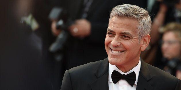 George Clooney ferito in un incidente stradale in Sardegna, ma non è