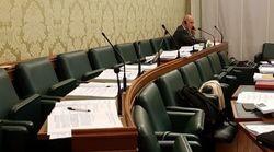 I 5 Stelle lasciano solo De Falco dopo il voto in Commissione sul condono (di G.