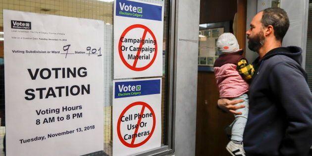 Olimpiadi invernali 2026, Calgary ritira la candidatura: al referendum vince il