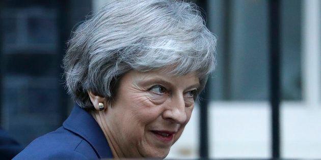Brexit targata Bruxelles: May convince il governo a fatica, ma l'accordo tecnico non sigla ancora l'uscita