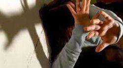 Si denuda in strada e poi violenta una donna: somalo di 20 anni arrestato in provincia di