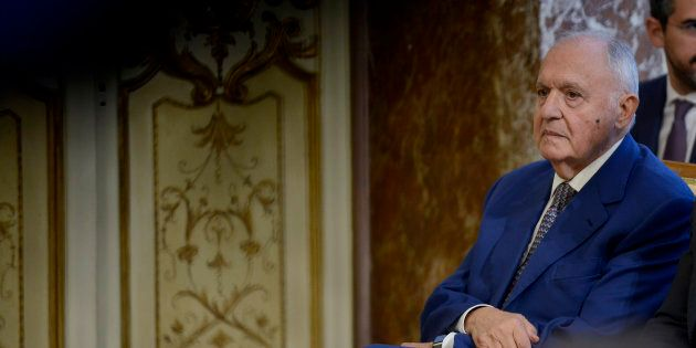 Di Maio costretto a rettificare Savona:
