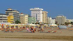 Cercasi personale negli hotel di Rimini: nell'estate dei record mancano