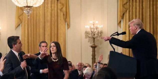 Il giornalista della Cnn Jim Acosta vince contro Trump: