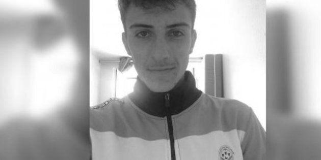Morto nel sonno come Astori un giocatore del Tours, aveva 19