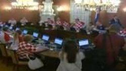 La Croazia vola in finale ai mondiali e il governo si riunisce con la maglia della