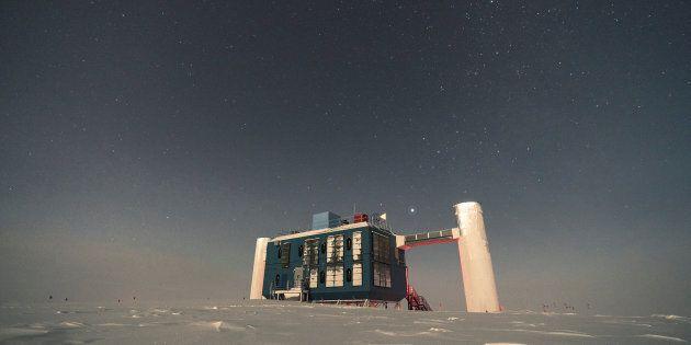 Dai ghiacci dell'Antartide la scoperta della prima sorgente extragalattica di