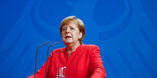 La Grecia rinvia l'aumento dell'Iva in (sole) 5 isole, la Germania blocca l'ultima tranche di 15 miliardi...