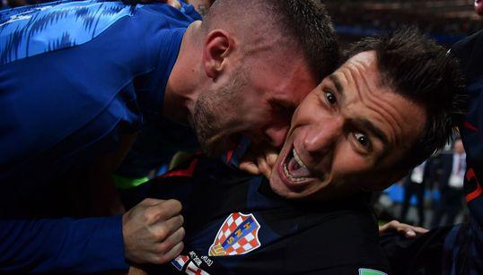 Le immagini scattate dal fotografo travolto dai croati mostrano tutta la bellezza del