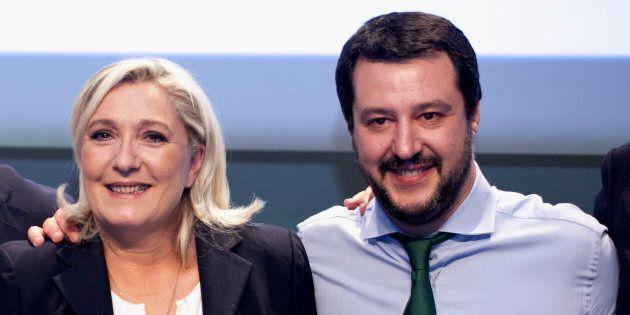 Le Pen fa i complimenti all'invidiato Salvini. E ricorda la