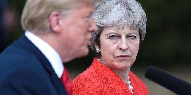 Un accordo post-Brexit con gli Usa, May si gioca la longevità politica con l'inaffidabile