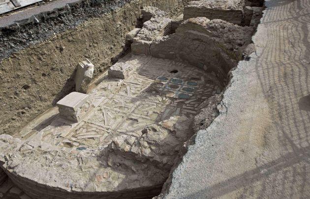 Il complesso archeologico sulle sponde del Tevere, l'enigma di Ponte Milvio: un luogo di culto cristiano?,...