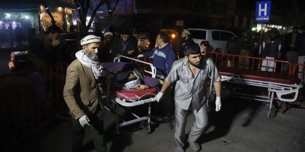Kabul, attentato provoca almeno 40 morti e 80