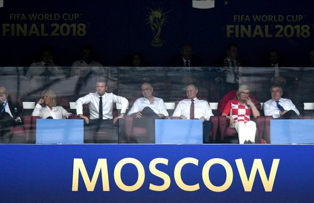 Mondiali 2018, finale. Macron in tribuna con la moglie Brigitte e Kolinda