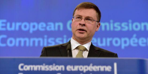 Bruxelles aspetta al varco il nuovo governo. Il giudizio sulla parte più spinosa del Def riguarderà i...
