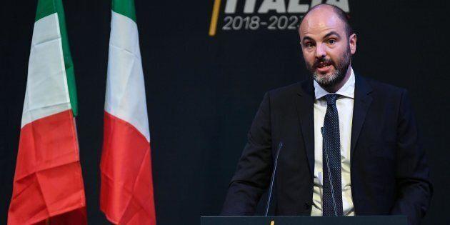Il candidato premier M5s Luigi Di Maio con Andrea Roventini durante la presentazione della squadra di...