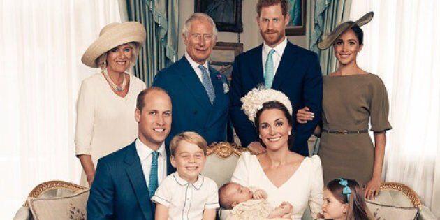 Kensington Palace pubblica le foto del battesimo del principe Louis (ma i veri protagonisti sono George...