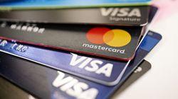 Derubavano ai postini le carte di credito in consegna, cinque arresti nel