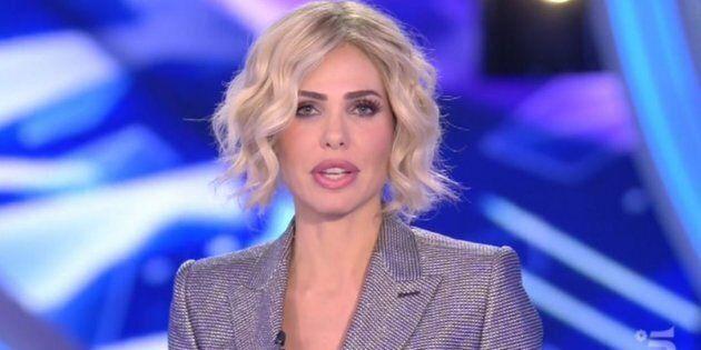 Se le parrucche di Ilary sono le vere protagoniste del reality show (e va bene