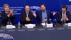 Salvini difende la sua claque e attacca i giornalisti: