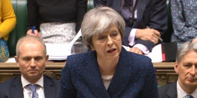 Resa dei conti Gran Bretagna-Russia sull'ex spia. Europa e Stati Uniti con la premier