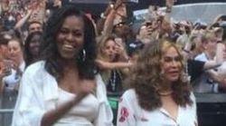 Michelle non si trattiene: il ballo scatenato dell'ex first lady al concerto di Beyoncé e