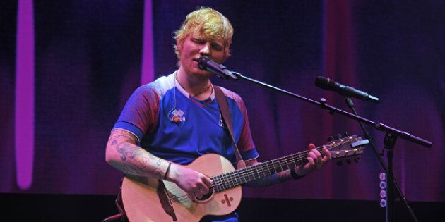 Ed Sheeran ha costruito barriere anti-homeless fuori dalla megavilla