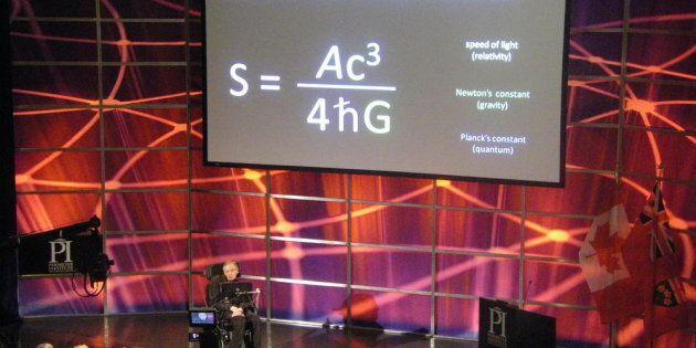 Stephen Hawking e il suo ultimo desiderio: la formula dei buchi neri incisa sulla