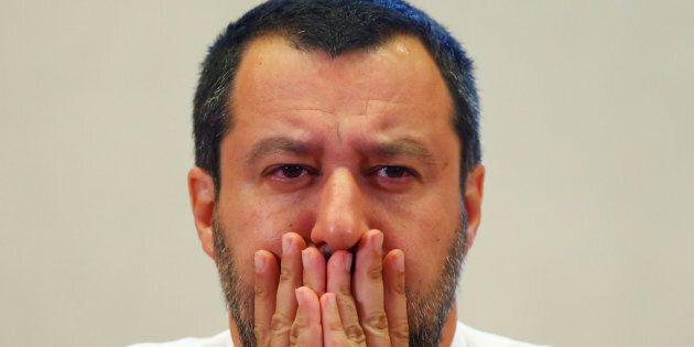 Le accuse di Open arms alla Guardia costiera libica: Salvini promette un'altra