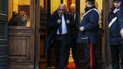 La cravatta scura di Galliani, la suoneria di Ghedini e la carica dei veterani: i neoeletti di FI si riuniscono con la paura...
