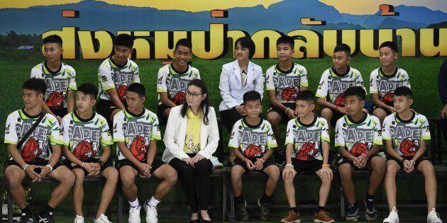 I ragazzi salvati in Thailandia escono dall'ospedale:
