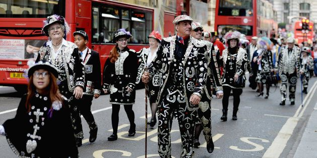 I Pearly Kings and Queens: gli altri reali di Londra a cui si inchina anche la Royal