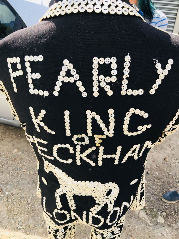 Il retro dell'abito di Pearly King