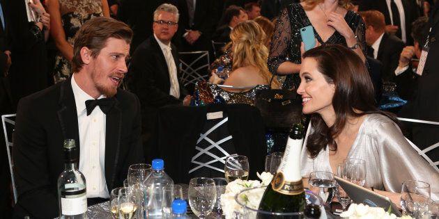 Il nuovo amore di Angelina Jolie è Garrett Hedlund. L'attrice dimentica Brad