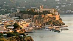 Ciak sulla Sicilia: gita al faro di Salina, cinema di Lipari fino al gusto di Trapani fra magie di mare, cibo e