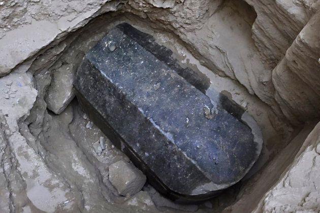 Il misterioso sarcofago trovato in Egitto e rimasto chiuso per millenni è stato