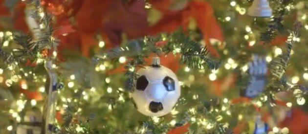 Palla di natale a forma di pallone da