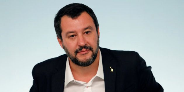 Bruxelles vuole le carte, Salvini dice no:
