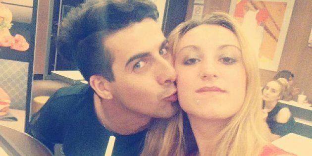 Laura Petrolito (la vittima) con il compagno Paolo