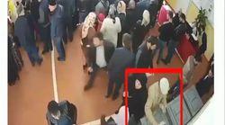 Voto multiplo, palloncini per oscurare le telecamere e osservatori picchiati. Gli anti-Putin denunciano