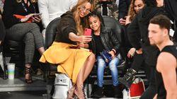La figlia di Beyoncé (6 anni) ha offerto 19mila dollari a un'asta per aggiudicarsi un