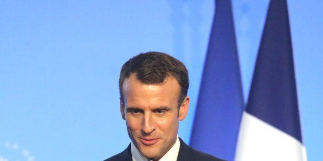 La Francia approva legge che vieta schiaffi e