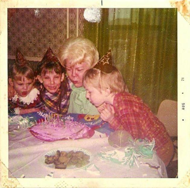 Il mio patrigno mi violentò quando avevo sette anni. Questo ha cambiato il corso della mia vita per