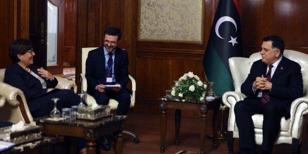 Battaglia libica fra Italia e Francia: Trenta a Tripoli rinsalda i rapporti con Al