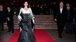 Virginia Raggi si presenta alla prima del Rigoletto con un